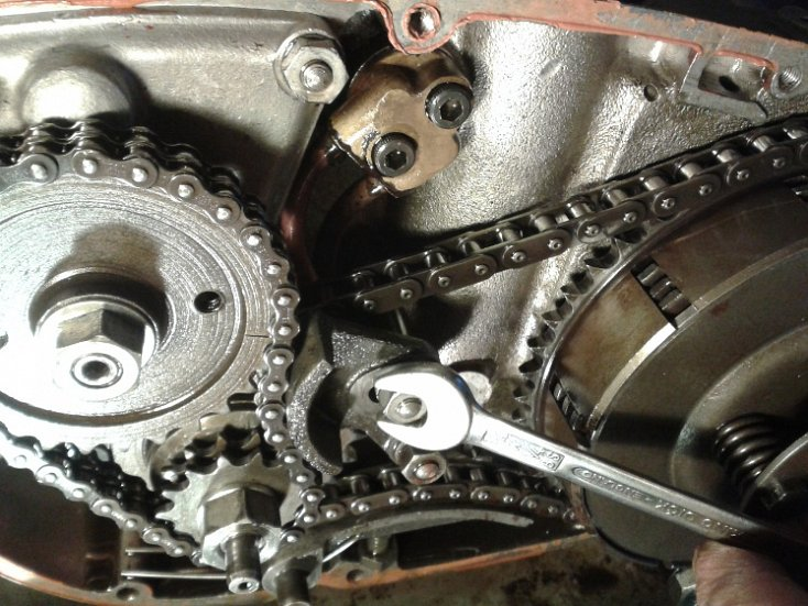 servicing, chain adjustment